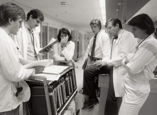 病院 Hospital(16mm)