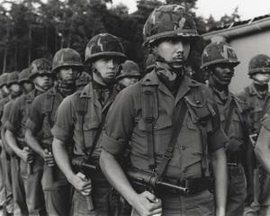 軍事演習 Manœuvre(16mm)