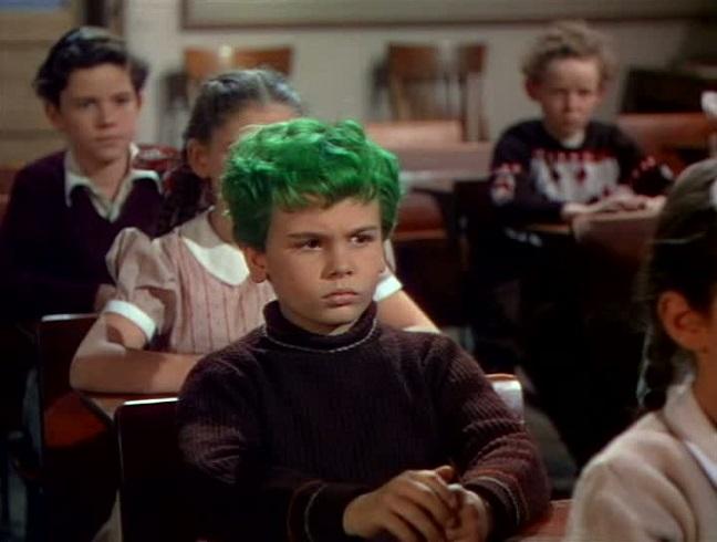 緑色の髪の少年 The Boy with Green Hair