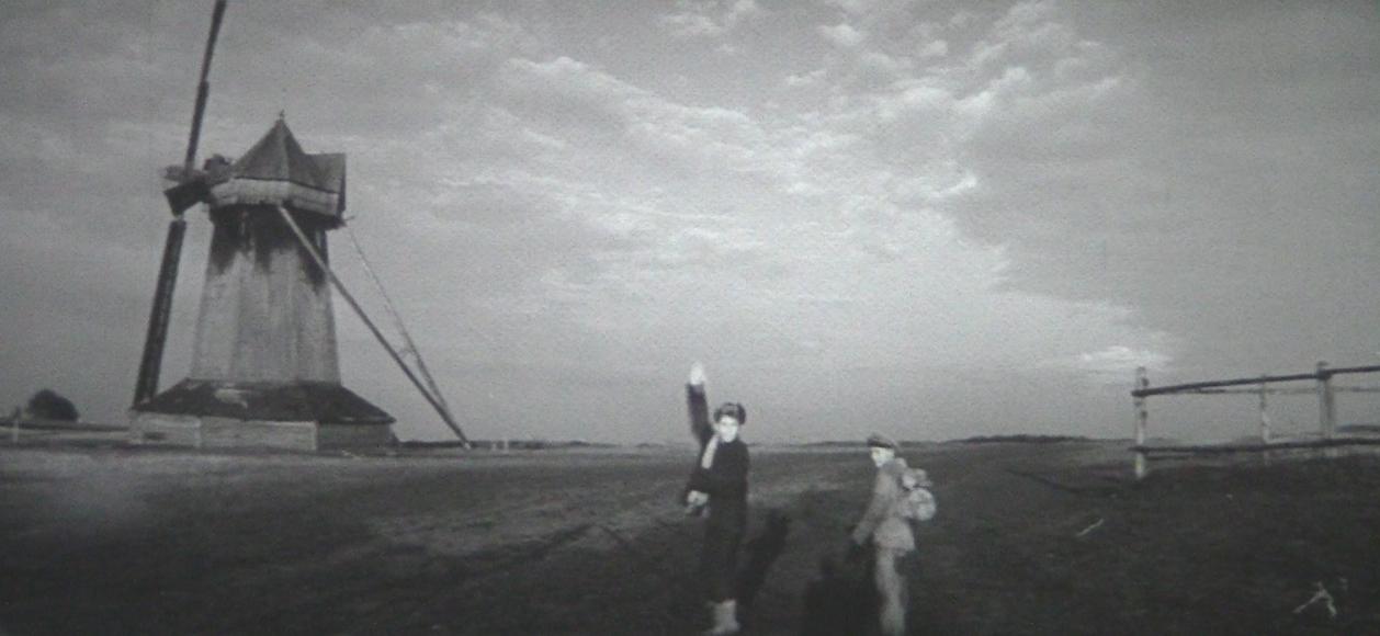タシケントはパンの町(97分/35mm)